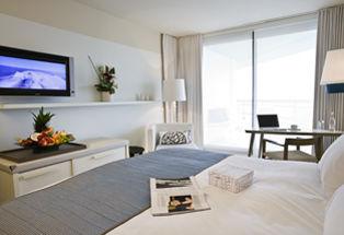Chambre Classique avec terrasse vue partielle mer