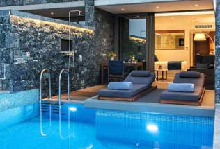 Suite Junior Deluxe avec piscine privée chauffée et vue mer - côté piscine