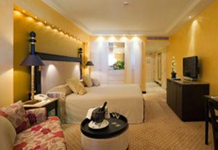 Kempinski hotel bahia verychic ventes priv es d 39 h tels extraordinaires - Pension jardin padron ...